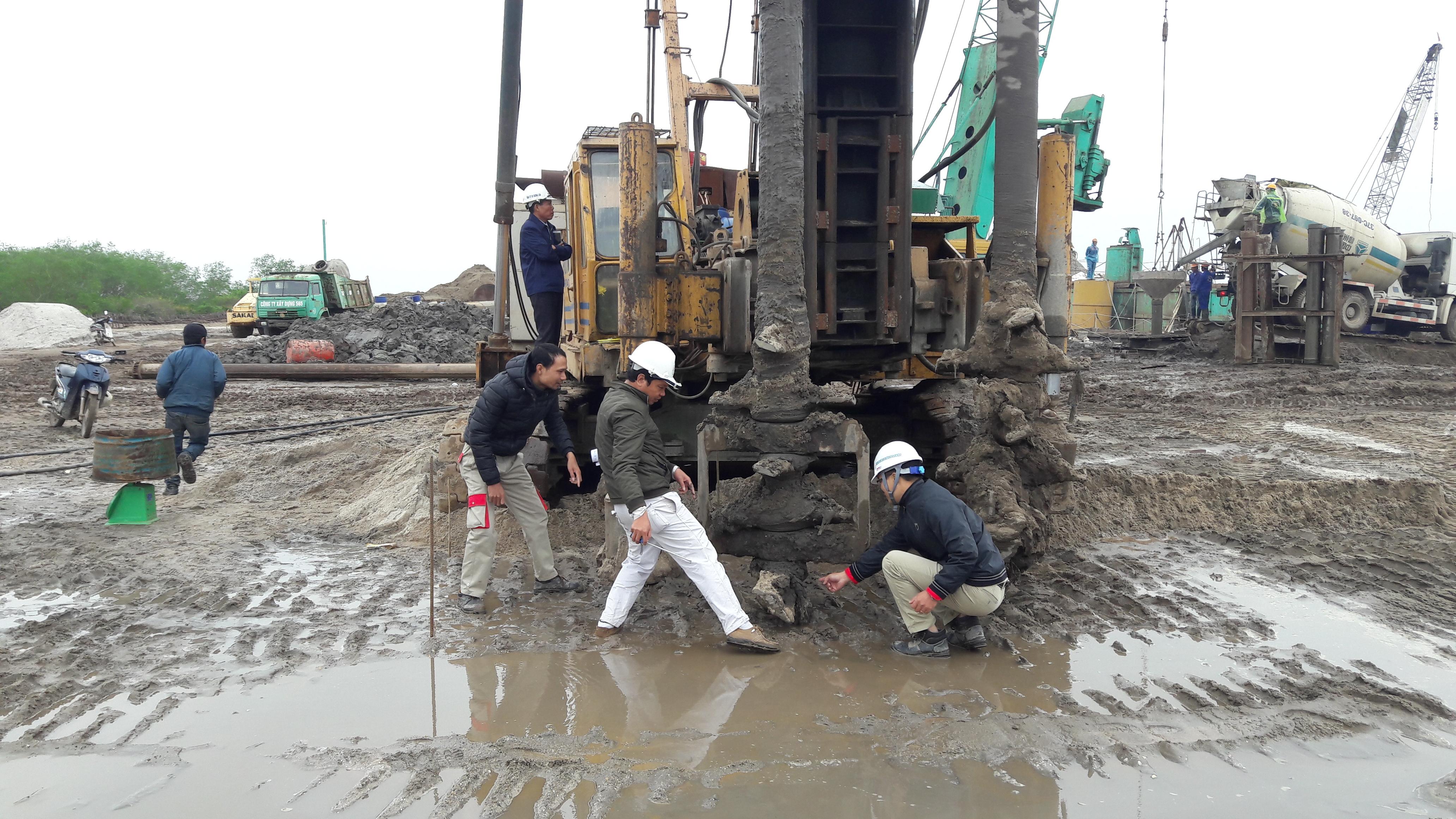 Thi công cọc xi măng đất